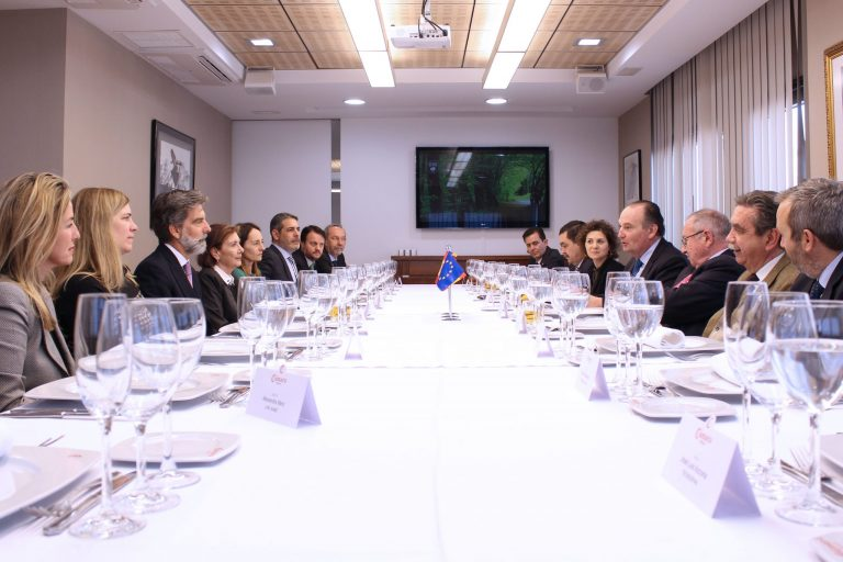 Encuentro empresarial con el embajador de España en Perú Ernesto de Zulueta